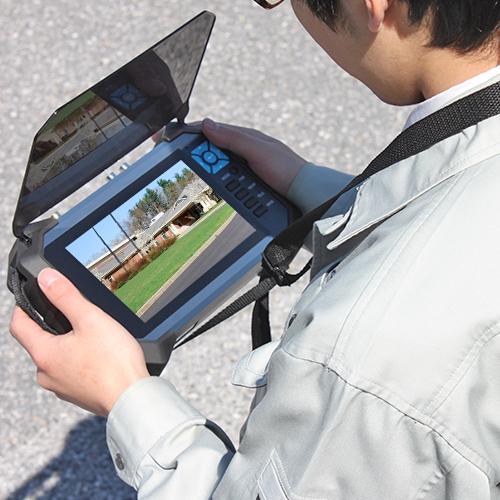 ポータブル小型液晶モニター 作業風景イメージ画像